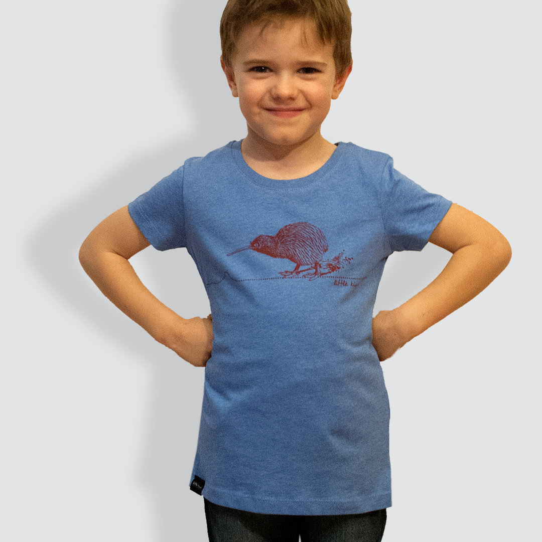 "Kinder T-Shirt, ""Kiwi"", Mid Heather Blue"